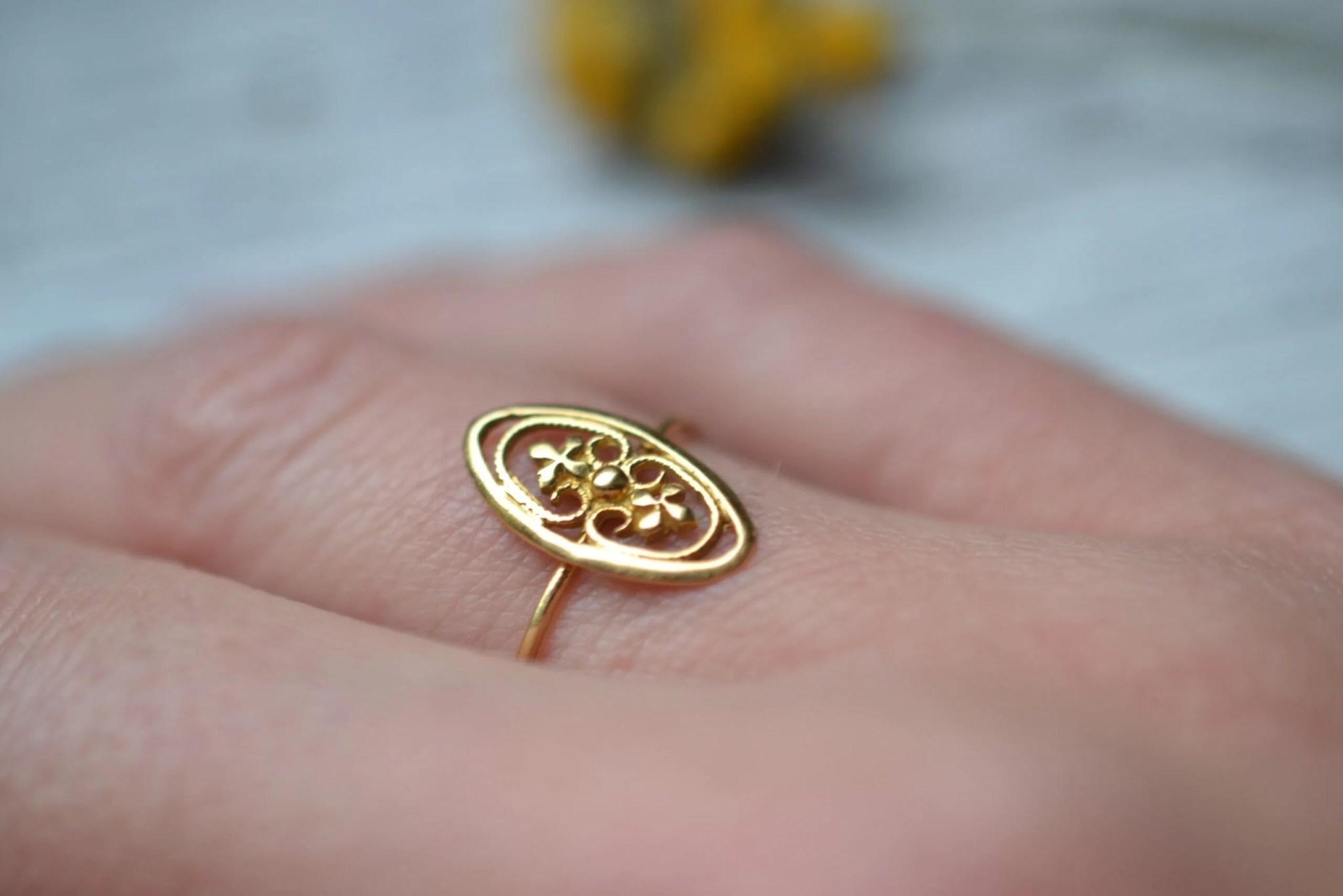bague motif trèfles - un bijou en or 18 carats - 750/1000 - noircarat.fr