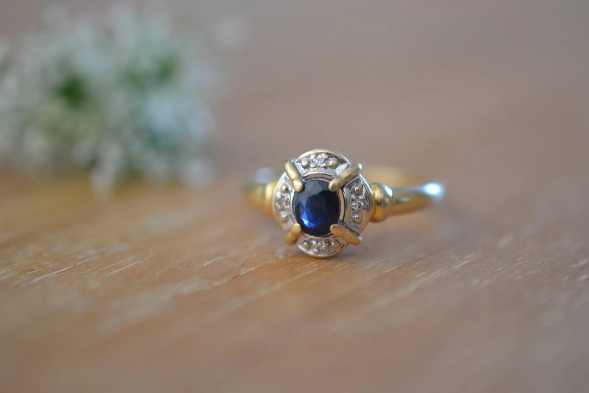 bague saphir et Or jaune et blanc pavage - bijou ancien - 18 carats 750:1000 - bijoux vintage