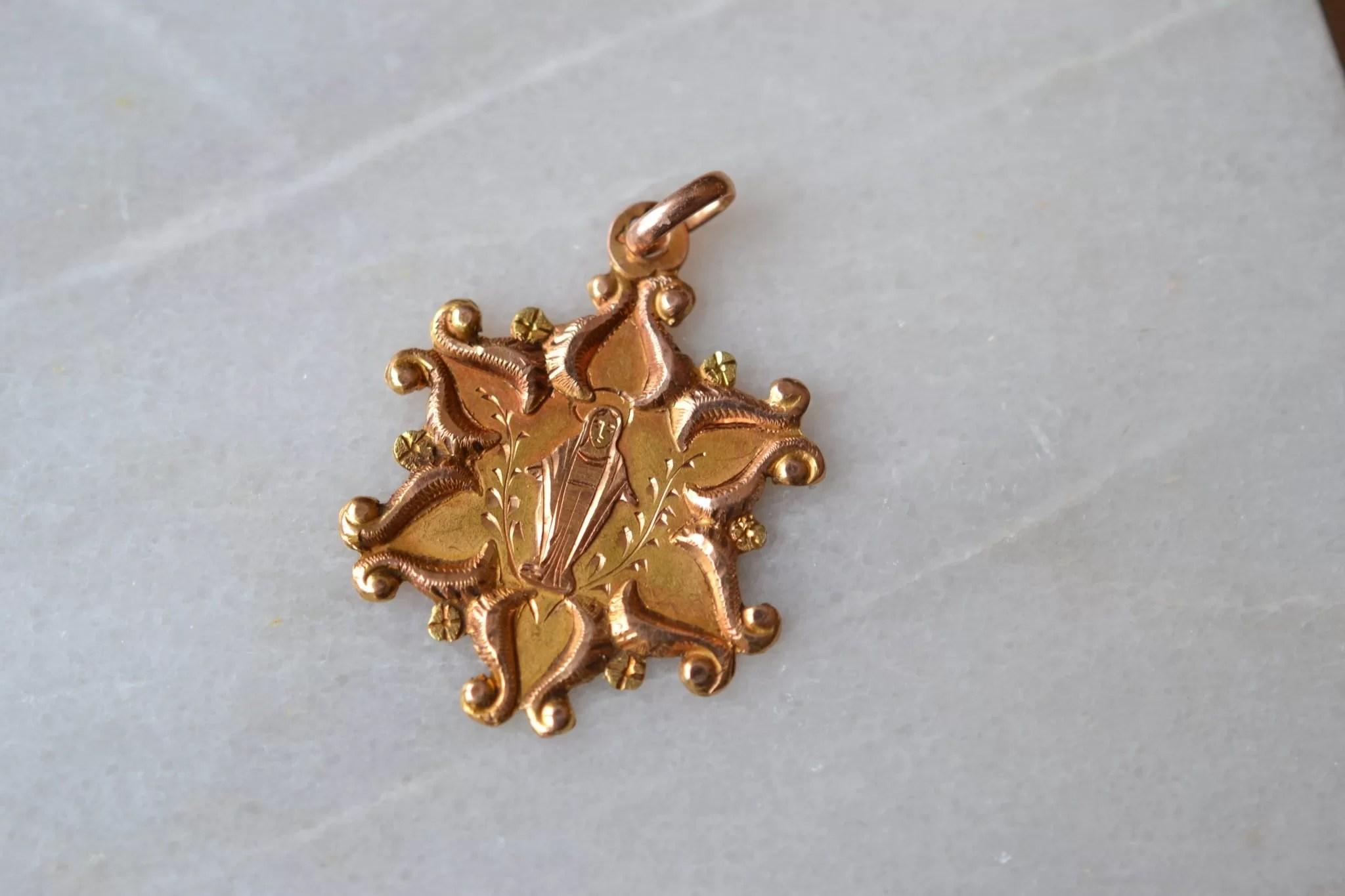medaille étoile vierge - bijoux anciens en Or - bijoux durables