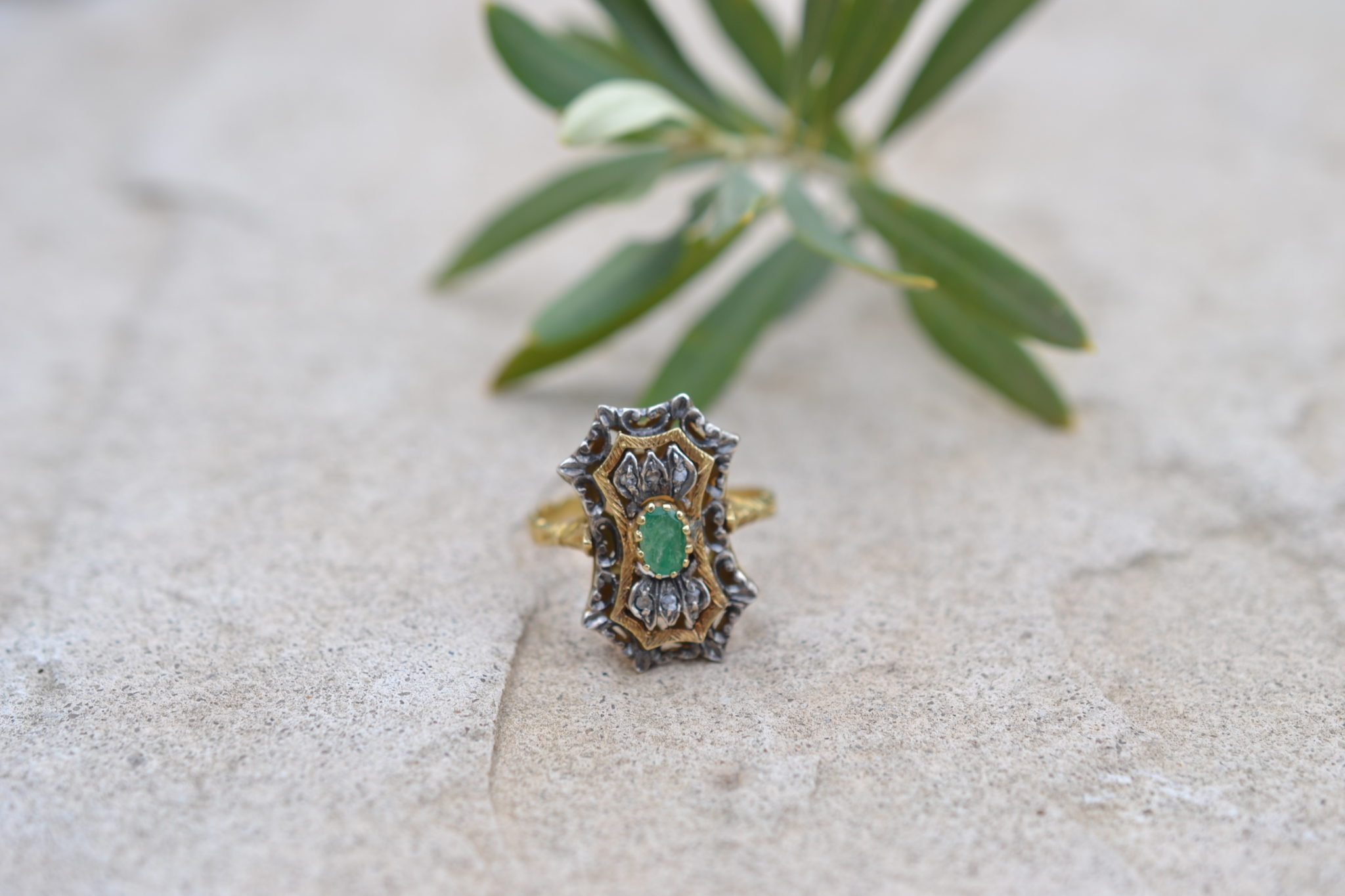 bague ancienne emeraude et diamants - en Or jaune 18 carats - bijoux inde