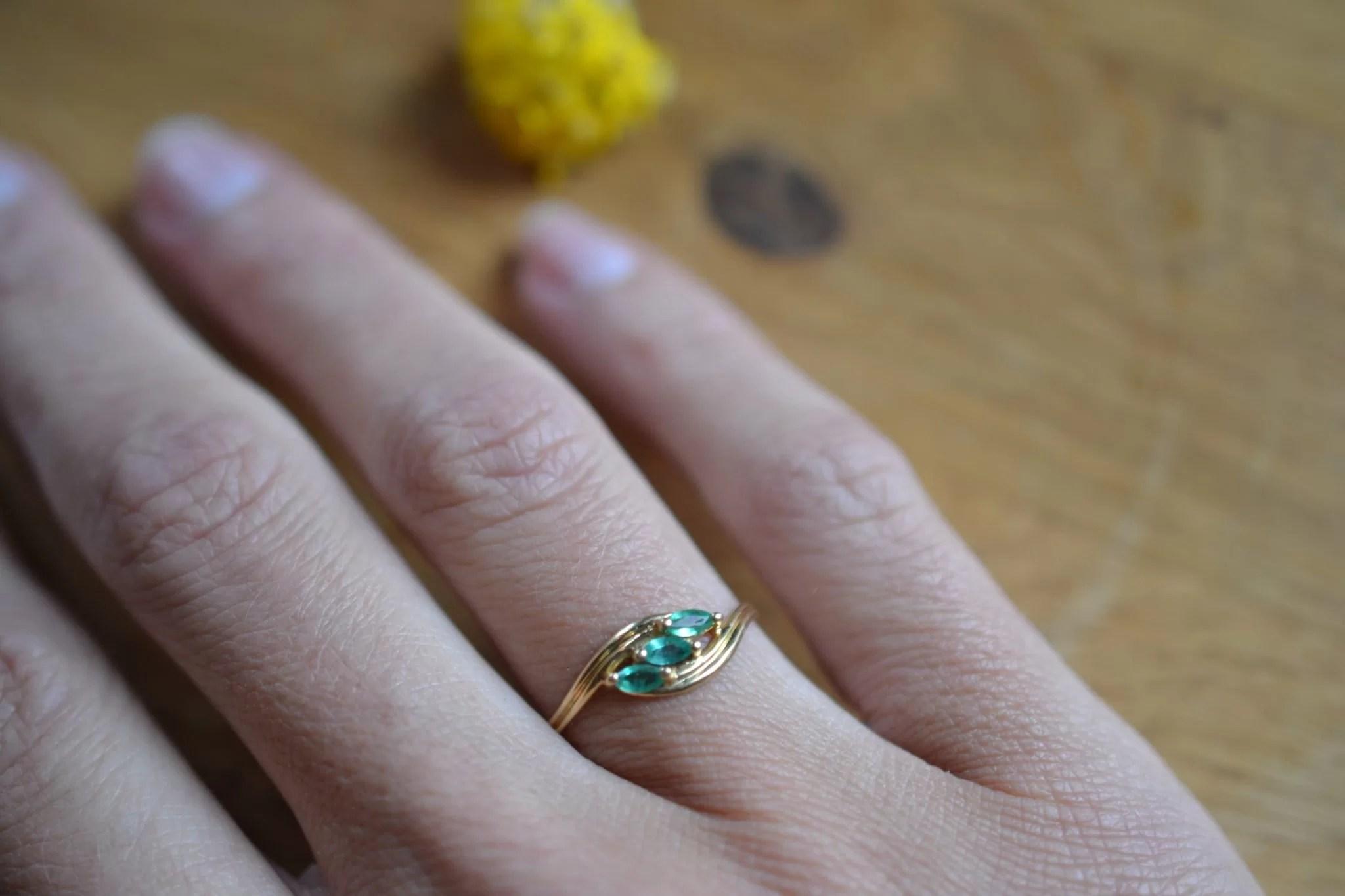 bague vintage ornée de 3 éméraudes - Bijoux anciens - Vintage - bijoux anciens en or