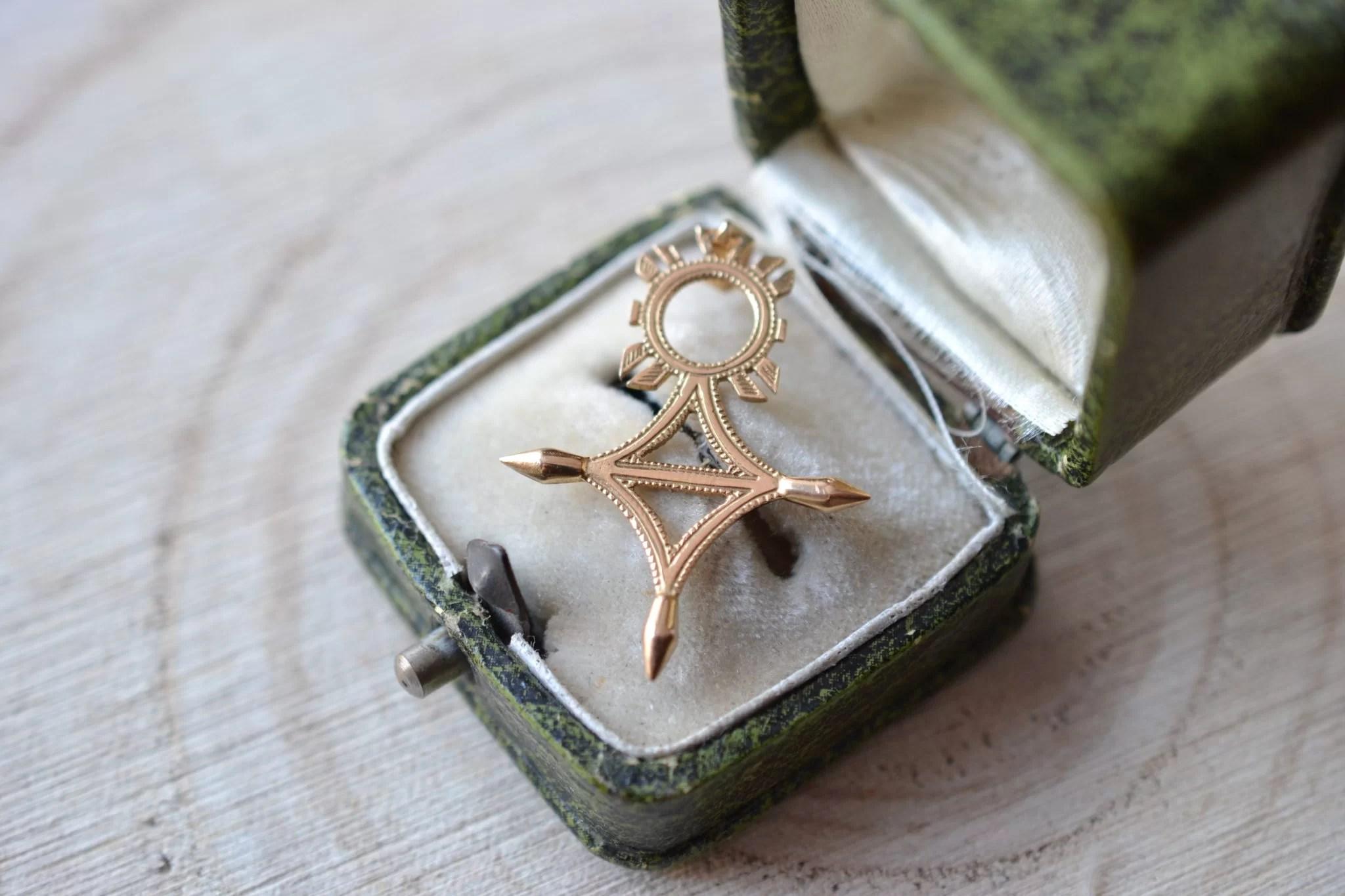 Pendentif Croix du Sud - bijou de seconde main