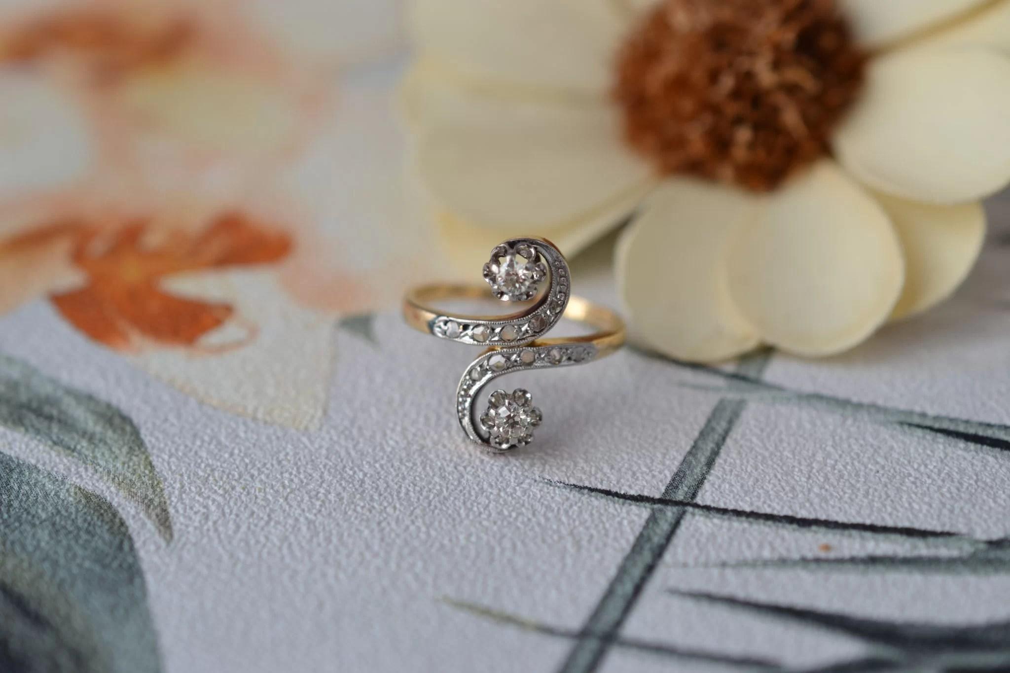 Bague Toi Et Moi En Or Jaune Et Or Blanc Sertie De Petits Diamants Taillés à L_ancienne Et En Rose - Bague Ancienne