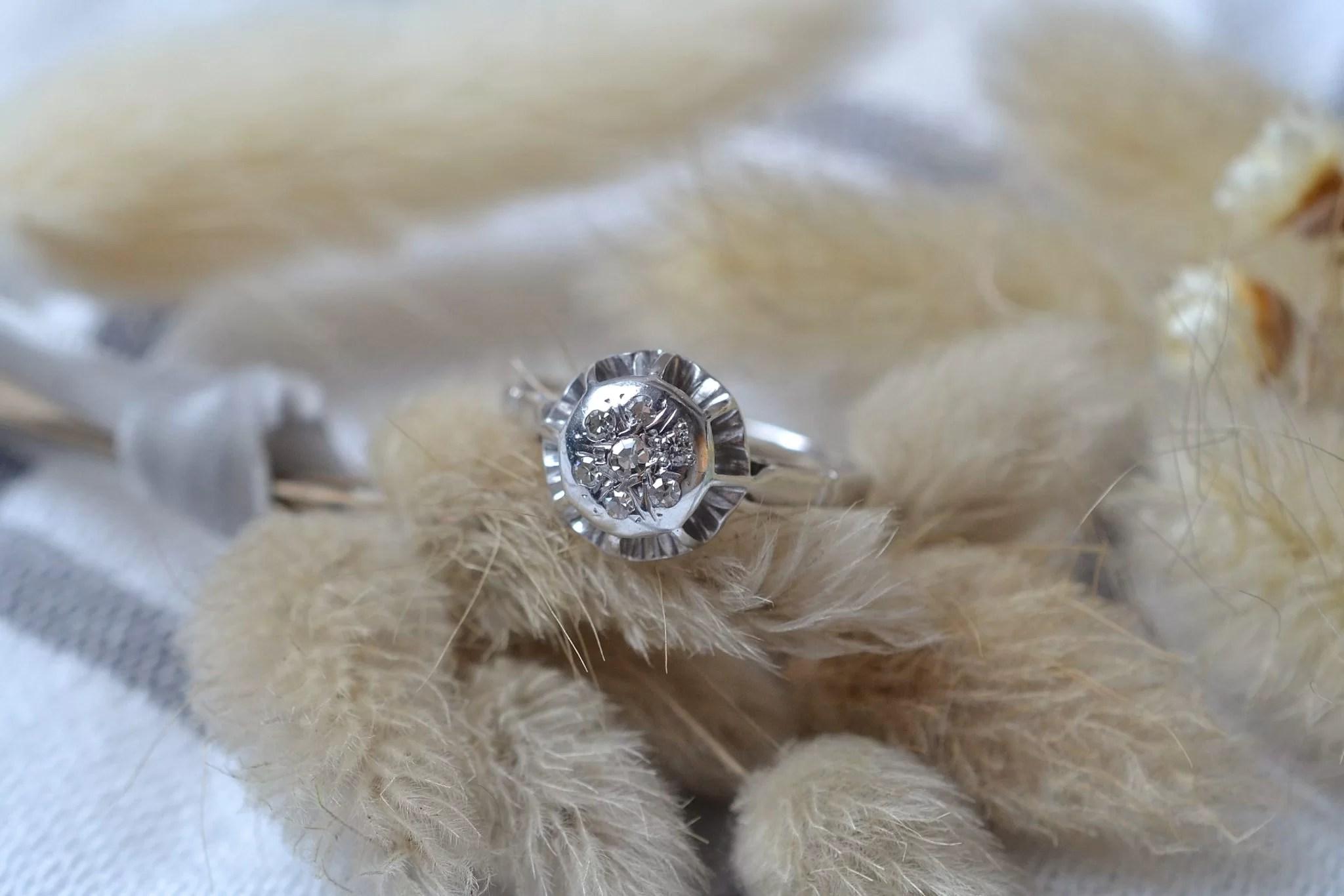 Bague en Or blanc, chaton rond orné de diamants 8_8 - bague de fiançailles Vintage