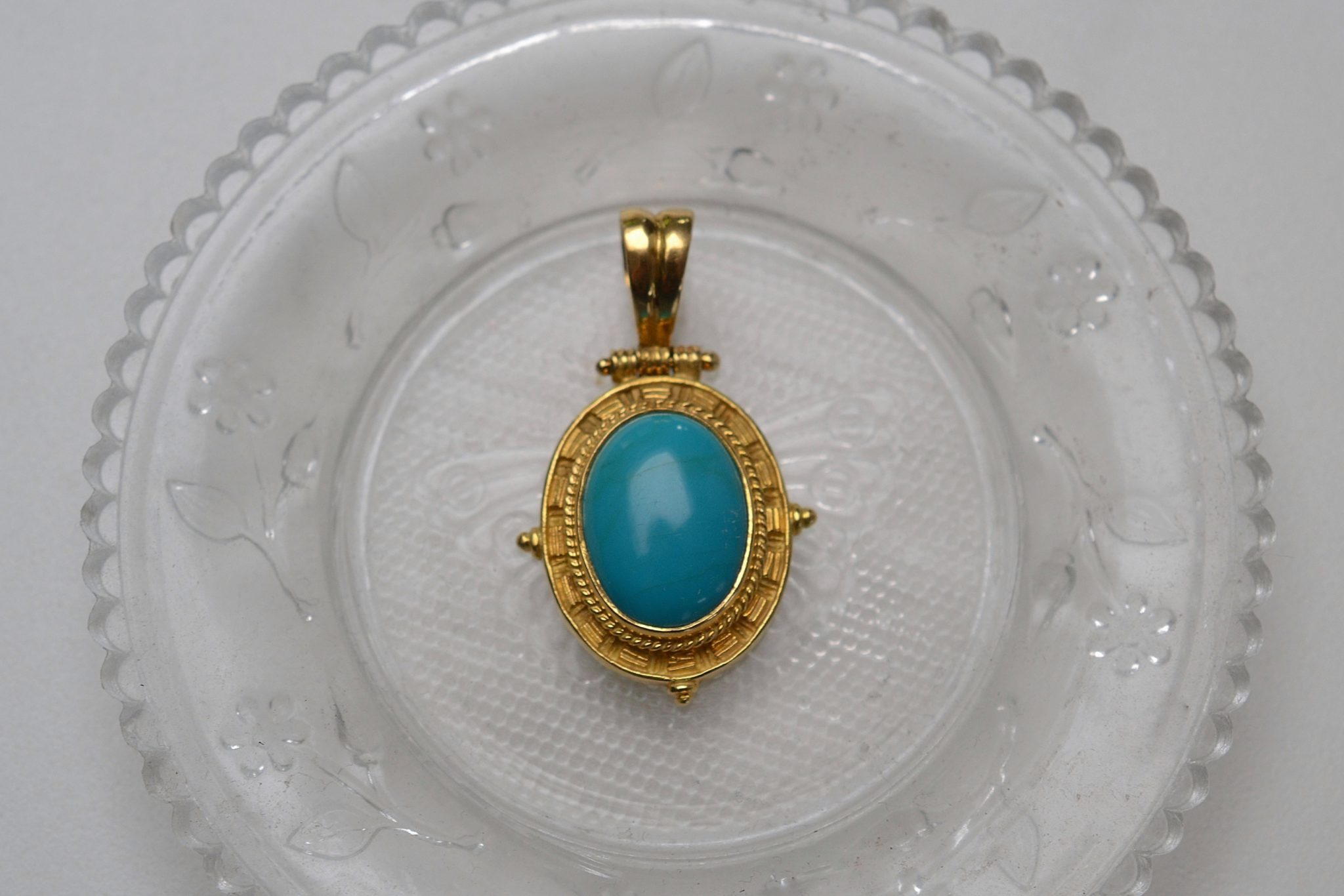 Pendentif En Or Jaune Sertie D_une Turquoise - Bijou Vintage