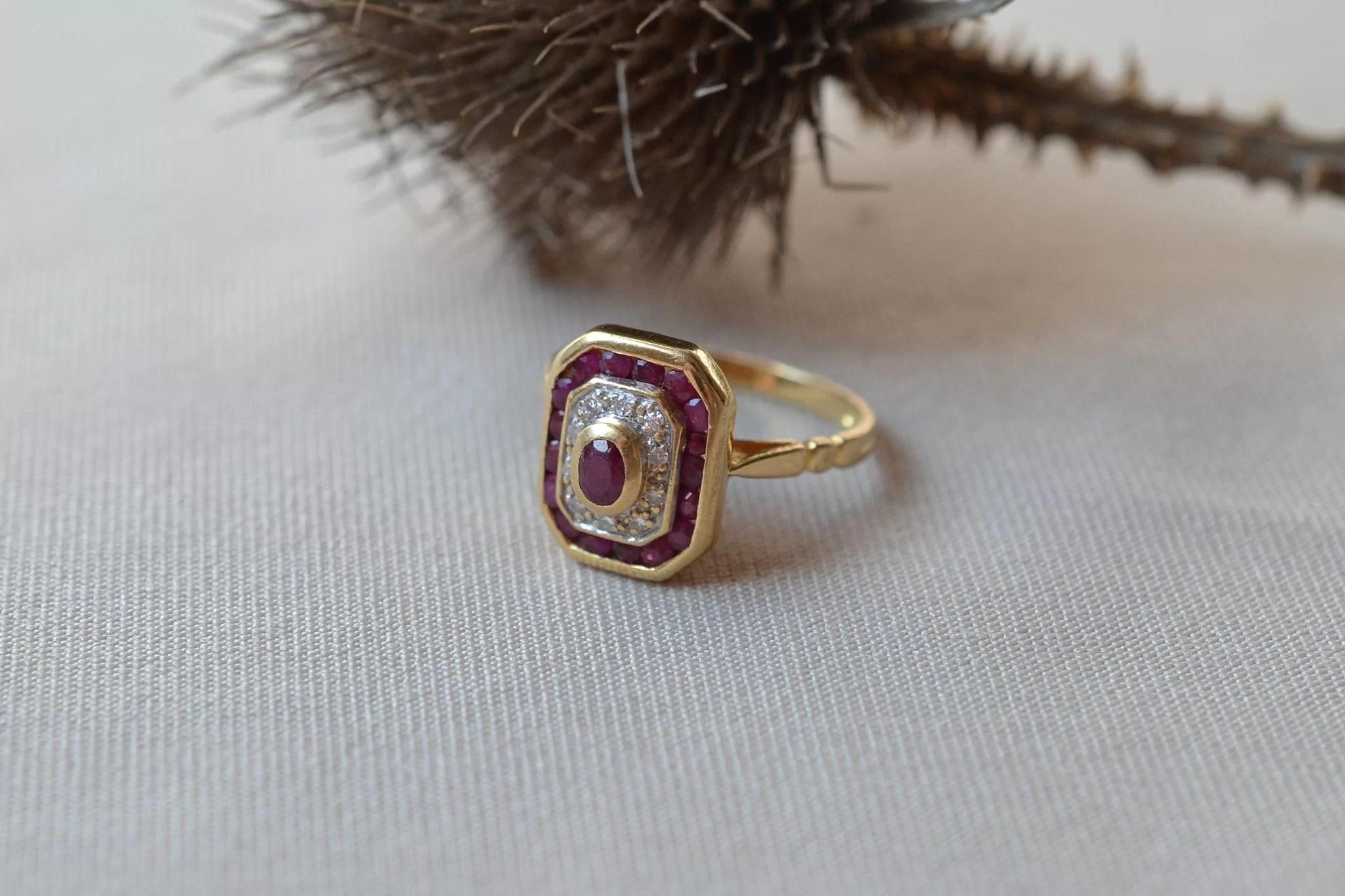 Bague-rubis-et-diamants-en-or-massif