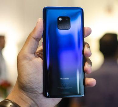 Celulare Smartphone Huawei in grossa crisi con il governo americano che l'ha messa nella lista nera.Android ha ritirato la licenza del sistema operativo.