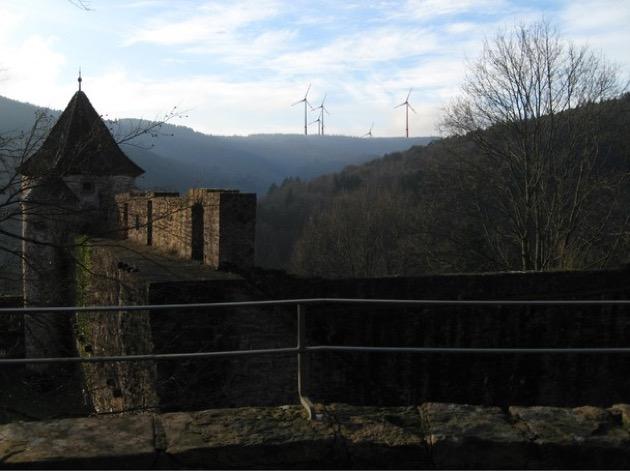 Hirschhorn Schloss WEA mehr kontrast und Schild V2