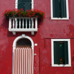 Red Burano house (454F27438)
