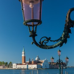Lamp and gondolas (454F27754)