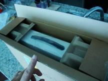 La manilla plástica allí es muy conveniente, otros productos llegan a ser bastante incómodos de sacar de la caja.