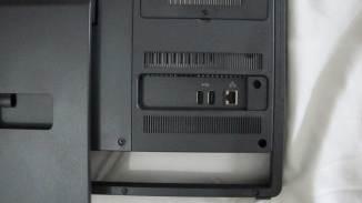 2 USB y entrada de red RJ45 en la parte posterior