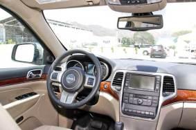 jeep-grand-cherokee-2011-volante-y-tablero