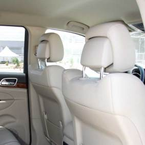jeep-grand-cherokee-apoyacabezas