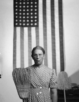Gordon Parks / American Gothic, Washington, D.C. (1942)