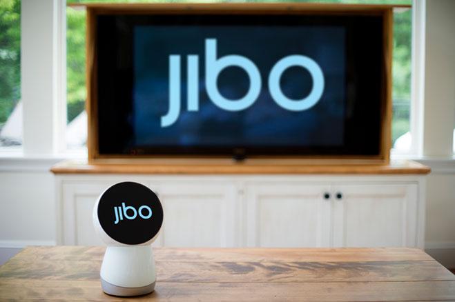 jibo-el-primer-robot-de-la-familia