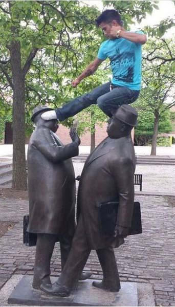 jugando-con-estatuas-11
