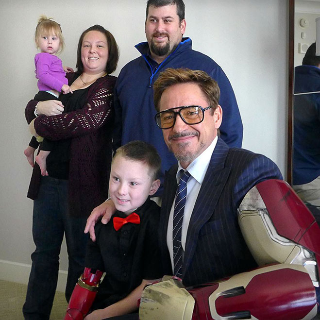 Robert-Downey-Jr-junto-a-Alex