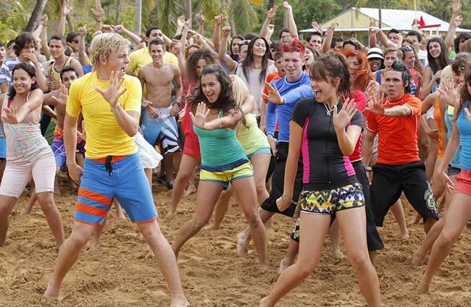 teen-beach-2-estreno-01