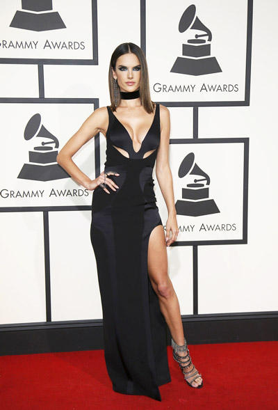 Alessandra Ambrosio arrives at the 58th Grammy Awards in Los Angeles, California February 15, 2016. REUTERS/Danny Moloshok