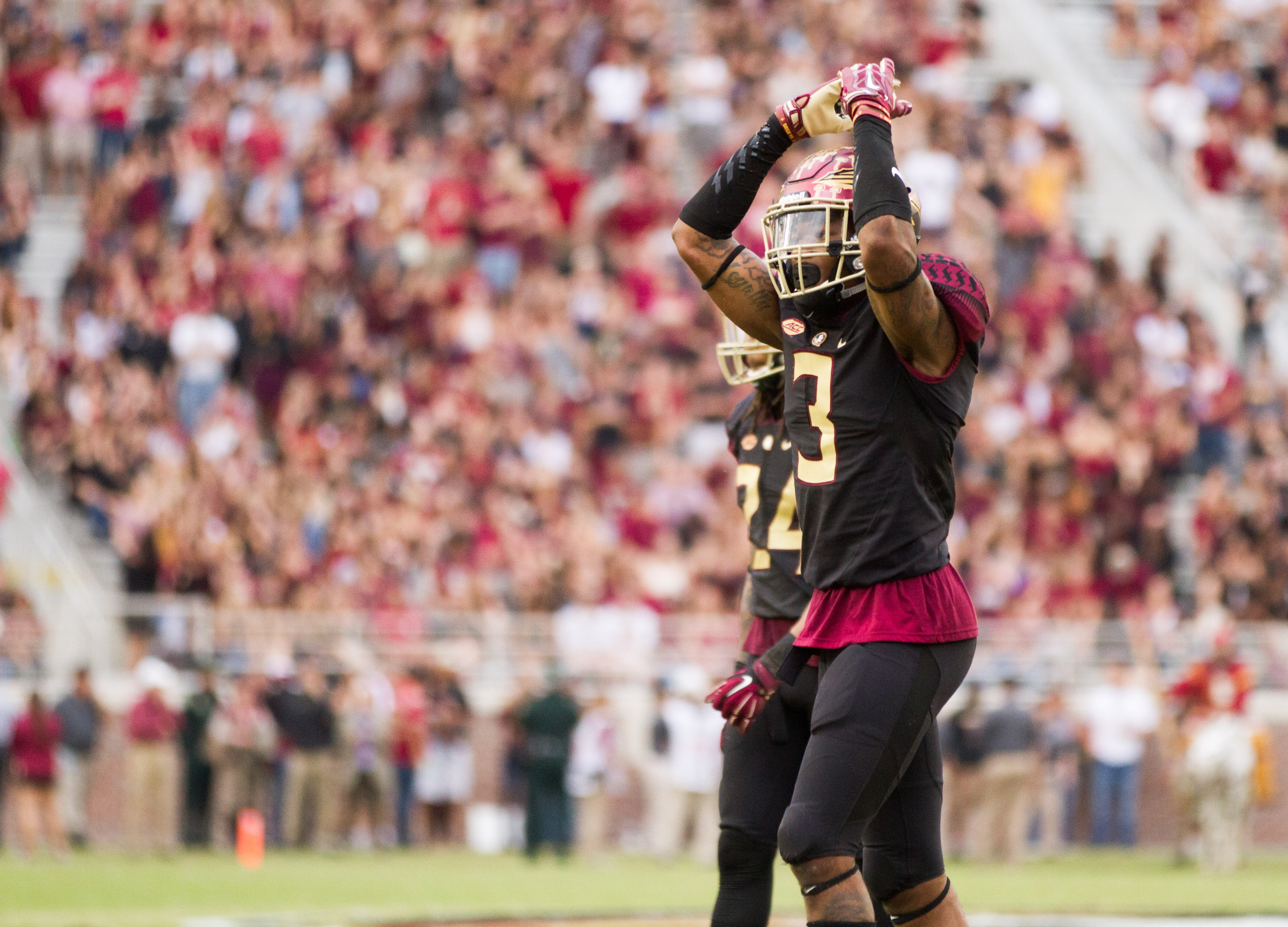 26288900 WATCH: Derwin James doesn't take time off - NoleGameday