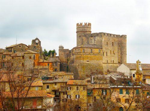 Veduta del castello di Nazzano