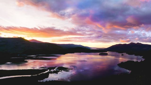 Il distretto dei laghi nel regno unito è un posto perfetto per il foliage