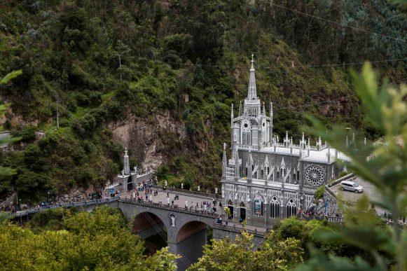 Santuario de las Lajas, colombia, nomadarte, vanlife