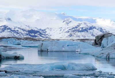 Be prepared for the beauty of Jokulsarlon with this packing list for winter in Iceland
