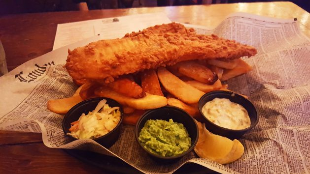 Fish 'n chips at the Olde English Pub - Albany dining guide