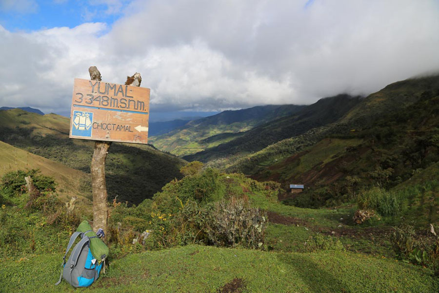 Sign and mountains along the Chachapoyas Trek