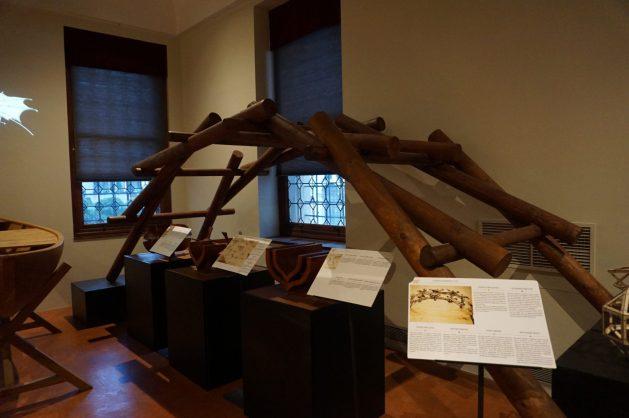 Portable bridge invented by Leonardo da Vinci - Top things to do in Venice, Italy