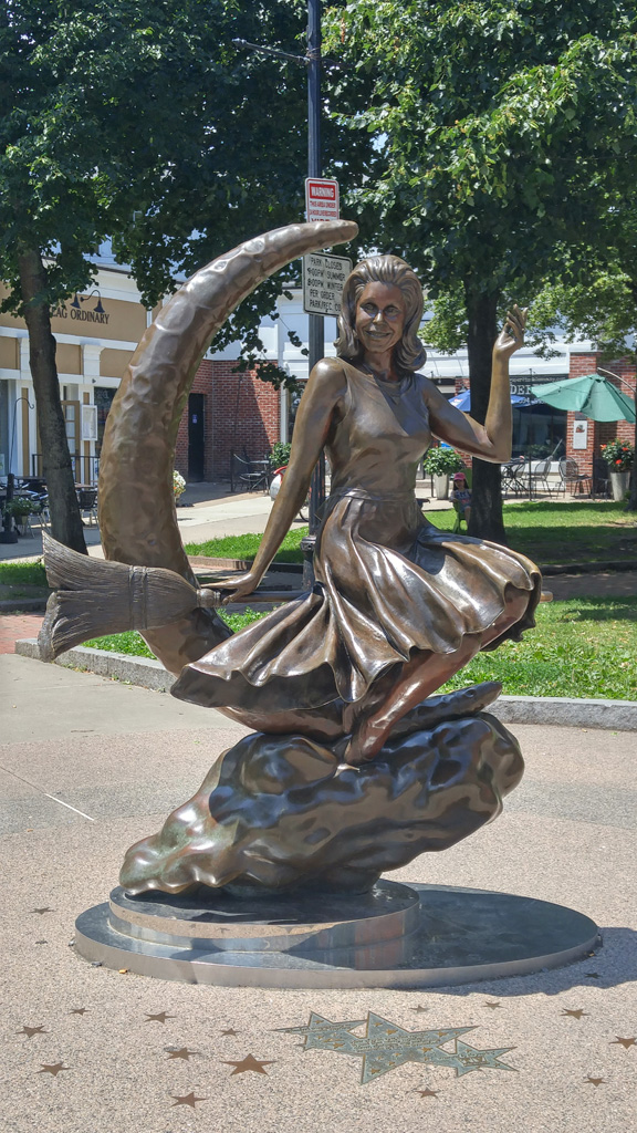 Statue of Samantha from Bewitched