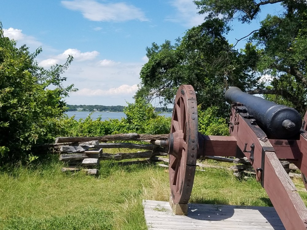 Cannon on the Yorktown battlefield
