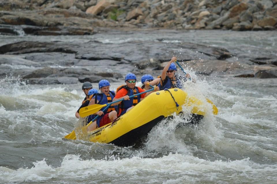 rafting-444743_1280