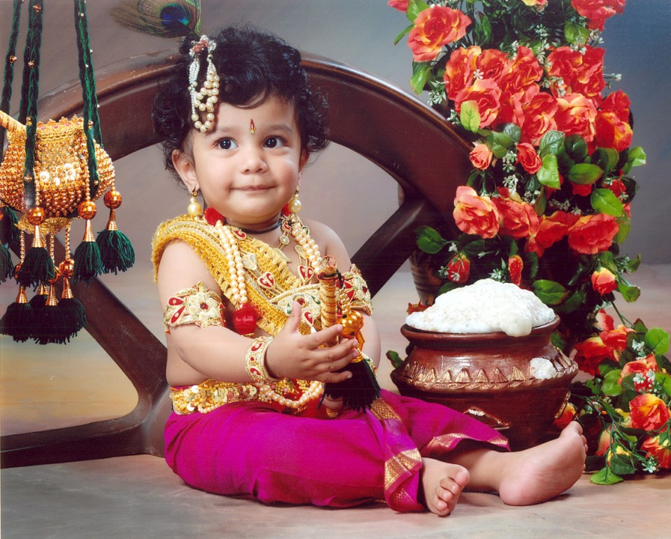 A Little Kid Dressed as Lord Krishna (Image Credit Sameer Burle)