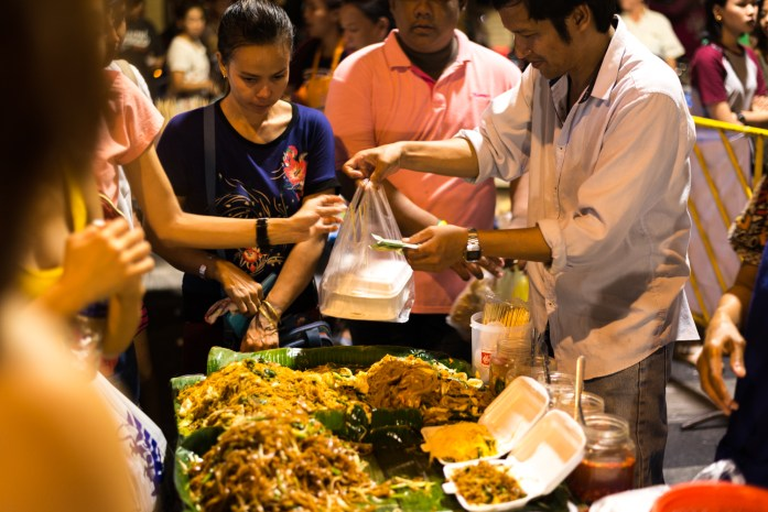 thailand, bangkok, street food, pad thai, red cross fair