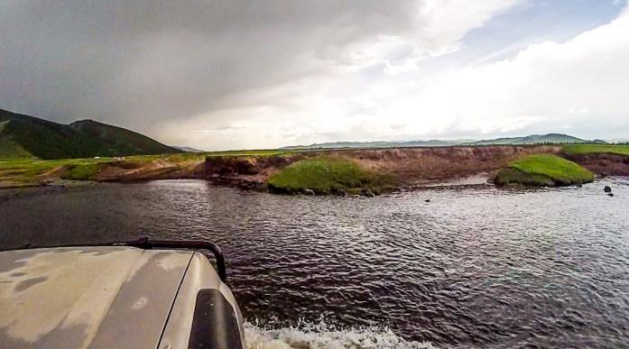 rivercrossing2