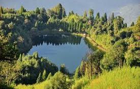 Tourist Places to visit near Darjeeling - Senchal Lake
