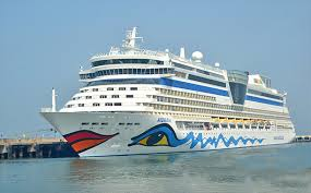 Water Sports in Goa - goa cruise