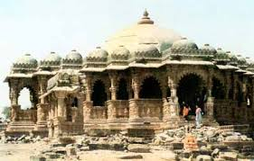 tourist places to visit in kutch or Bhuj - Cenotaphs