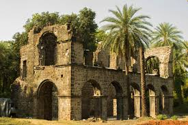 It is among top tourist places to visit near Mumbai for weekend getaways from Mumbai - Bassein Fort