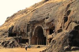 It is among top tourist places to visit near Mumbai for weekend getaways from Mumbai Elephanta Caves