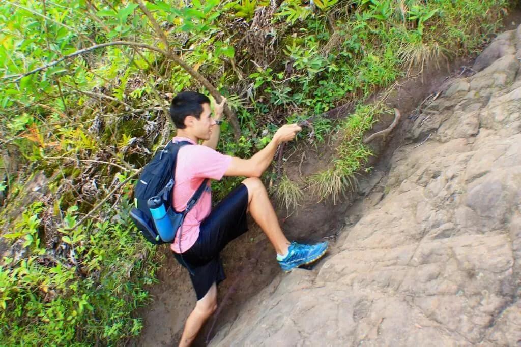 Olomana ridge hike outdoor adventure Oahu