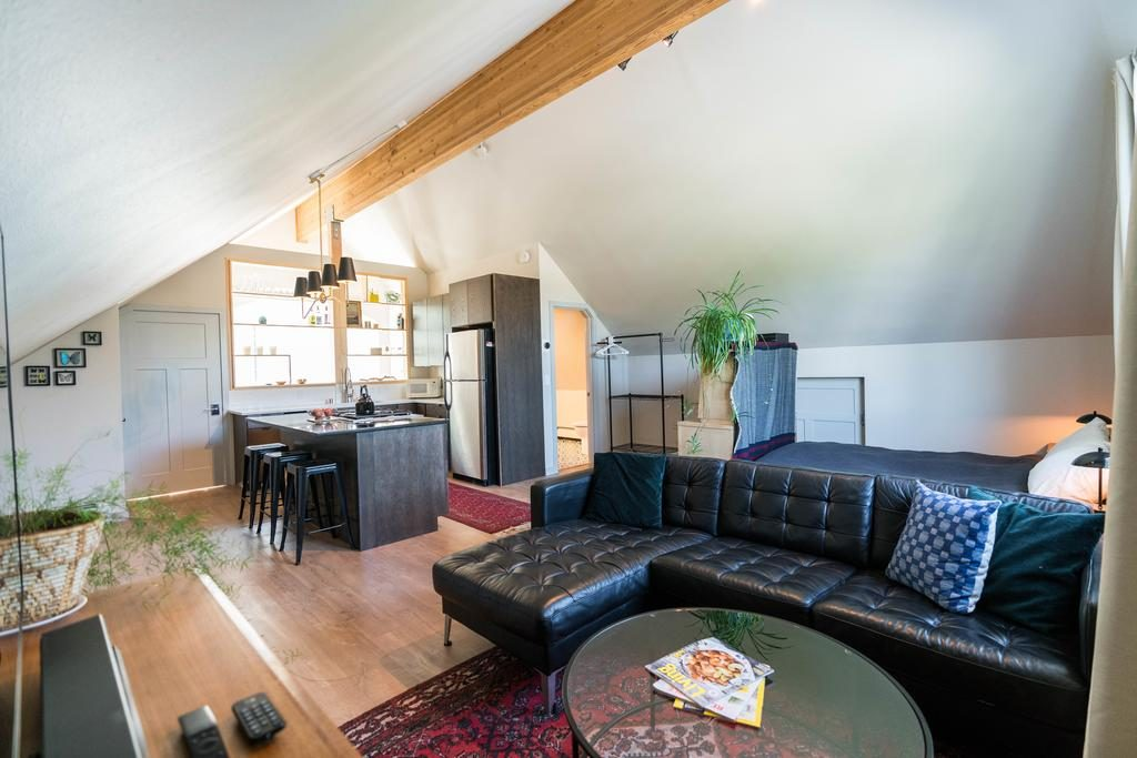 Vintage Apartment Anchorage Places to Stay