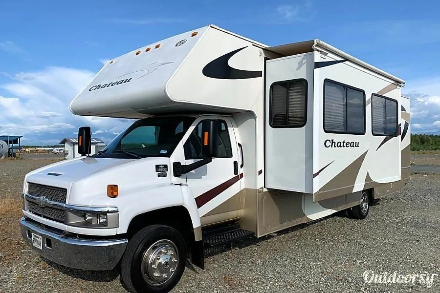 Anchorage RV Rentals, 2008 FourWinds Cuper C