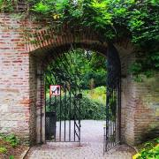 The entrance gate that leads into the almost-hidden Květnice Garden on Petřín hill.