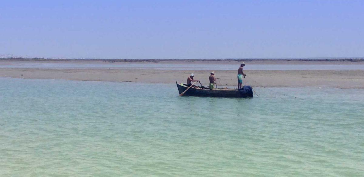 Traditionele vissers bij Sancti Petri.