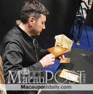 Macao-Daily-MGM-Atelier -du-Nombre-d-or-macau-bruno-toupry-gilder-gold-leaf