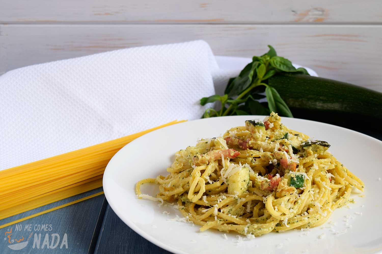 Espaguetis con salsa de calabacín